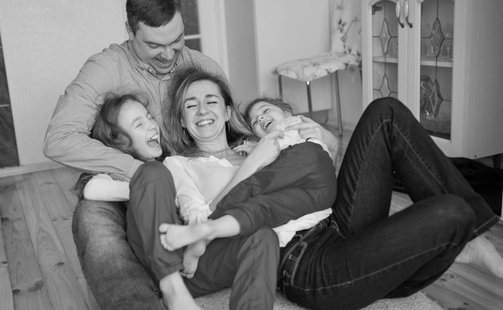 Marriage and parenting sometimes can put a strain on marriages. This inspirational blog post shows why parenting in the middle years is so hard. #motherhood #momlife #parenting #middleage #dearhusband #marriage